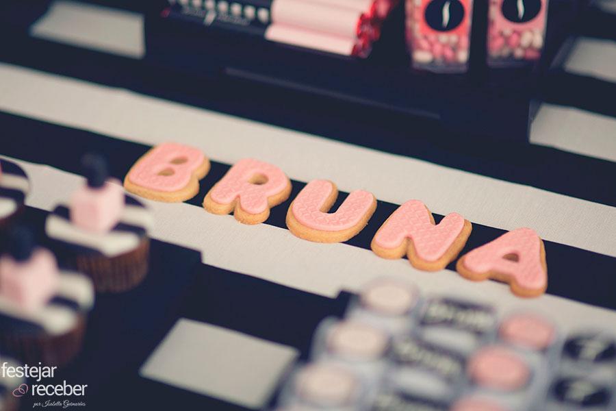 biscoitos-decorados-com-rosa