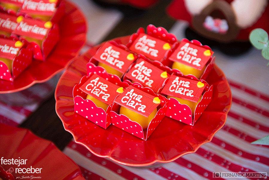 doces-decorados-para-chapeuzinho-vermelho