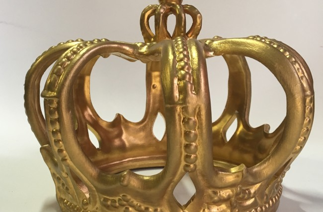 Coroa cerâmica Dourada G CMM