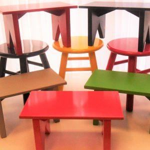 Banquetas/ Mochinhos/ Cadeiras/ Mesas/ Estantes/ Tonel/ Aparadores/ Nichos